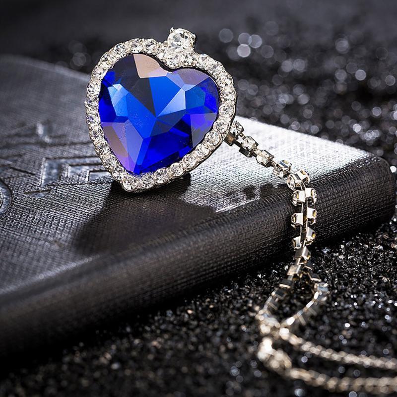 Simulierte Die Blaue Liebe hängende Halsketten Big Schmuck Valentines Geschenke Gehütete Choker Damen-Halskette Wertvolle Ornamente