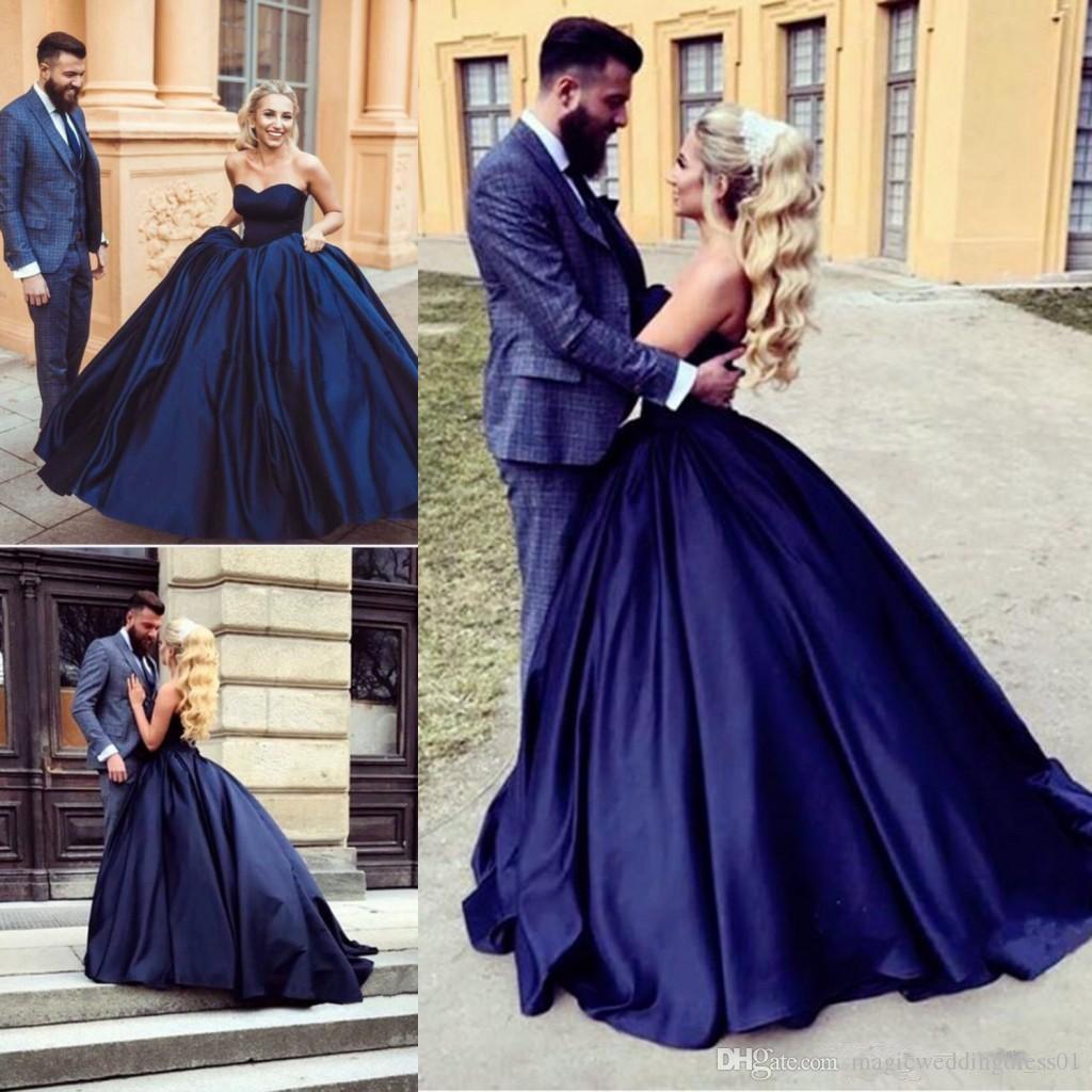 Vintage Azul marino oscuro Azul Vestidos de novia Vestido de gala Sin tirantes Satén Longitud del piso retro 2019 Vestidos de novia de diseño clásico Tamaño más personalizado