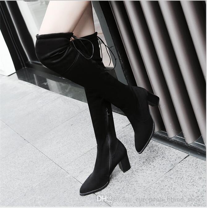 Sorte de bottes élastiques maigres avec bottes au-dessus du genou