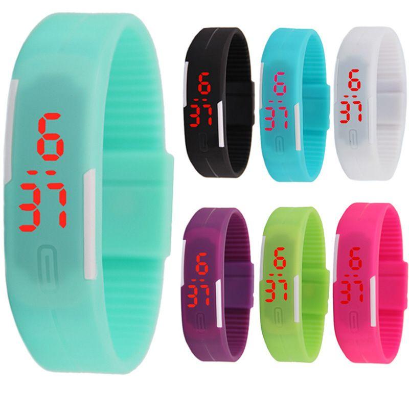 Kız Erkek Çocuklar Renkli Spor LED Saatler Şeker Jöle Erkek Kadın Silikon Kauçuk LED Ekran Dijital İzle Bilezik Band Saatler