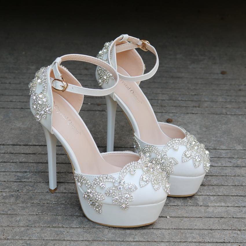Cristal Rainha do Verão Sandals moda Branca Rodada Toe de noiva sapatos de casamento de cristal do salto alto Sapatos Rhinestone correias do tornozelo