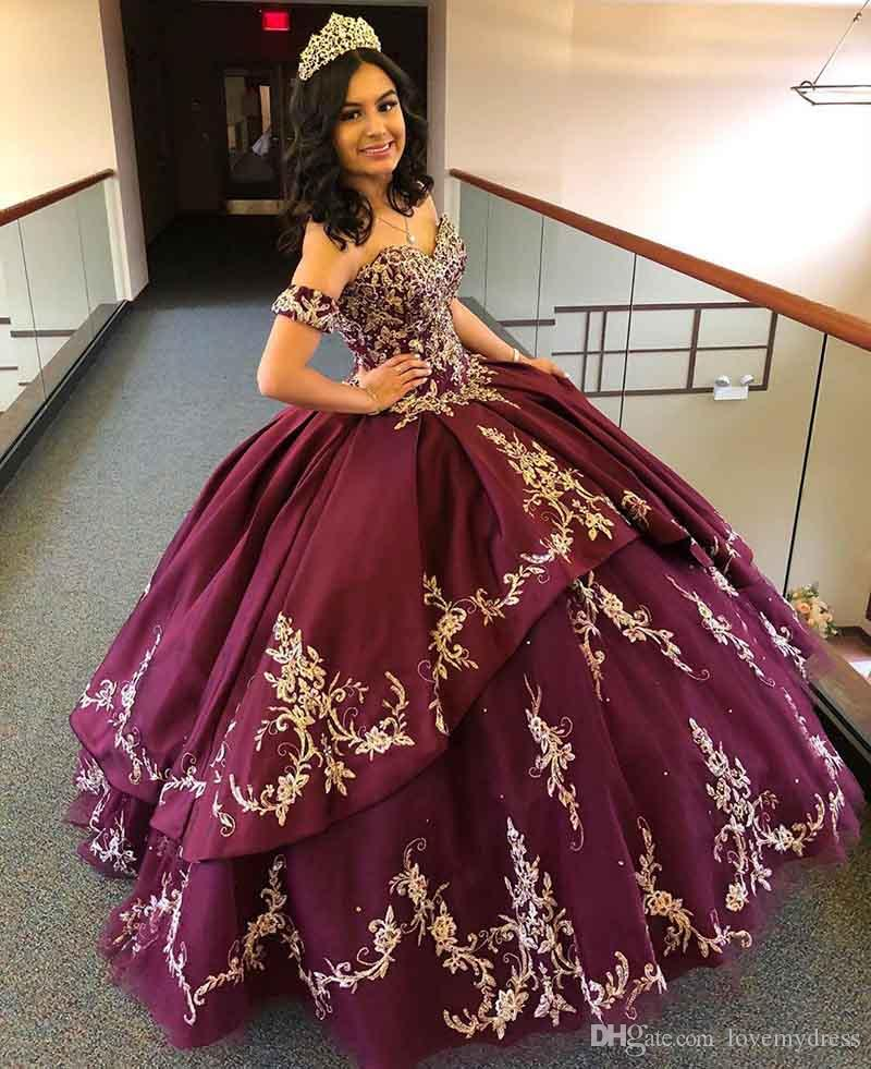 Burgundy Sweetheart Satin Quinceanera Prom Dresses With Detachable Sleeves Gold Embroidery Beaded Tiered Skirt Ball Gown Sweet 15 Dress 16