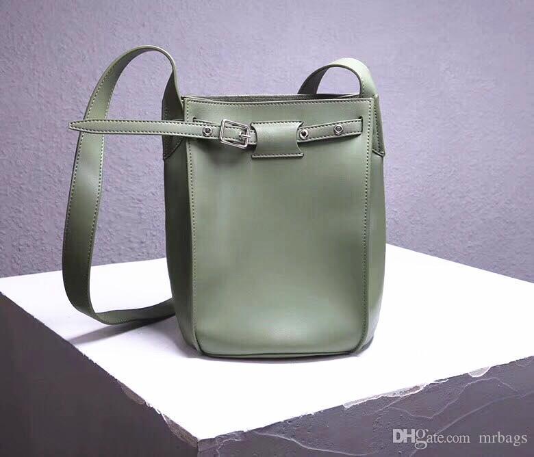Grand luxe sac à bandoulière école de mode sac à bandoulière en cuir sac seau dames concepteur sacs à main véritable décoration d'ouverture fermée groupés