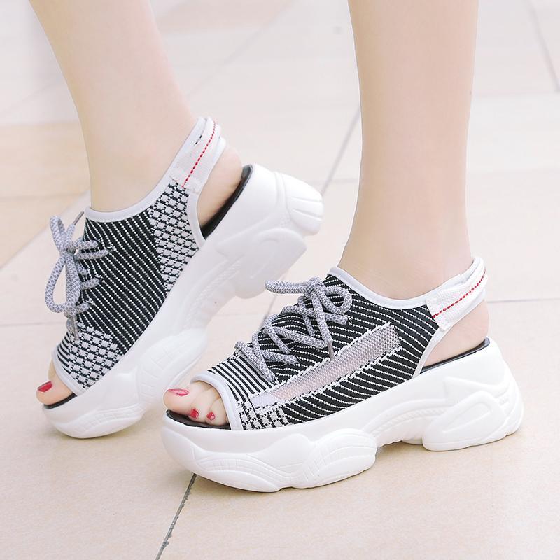 أحذية الصيف موضة أحذية جوز الهند أنثى تنفس صافي القماش شاطئ رياضة المرأة الصنادل المفتوحة الأصابع منصة شبكة الأوتاد الدانتيل متابعة