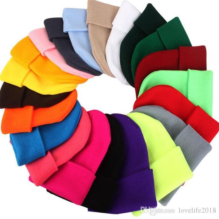 Cappelli invernali per la donna Nuovi Berretti a maglia solido cappello sveglio ragazze femminile di autunno Beanie Caps Warmer Bonnet signore casuali T483 Cap