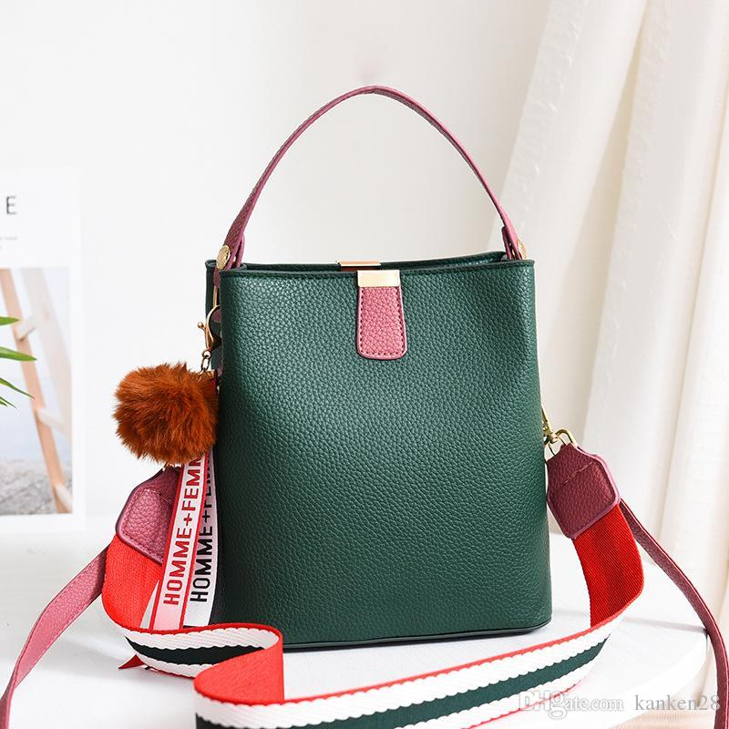 2019 تصميم فاخر حقيبة يد المرأة دلو حقيبة شفافة واضحة PVC جيلي الكتف الصغيرة حقيبة أنثى سلسلة حقائب CROSSBODY رسول