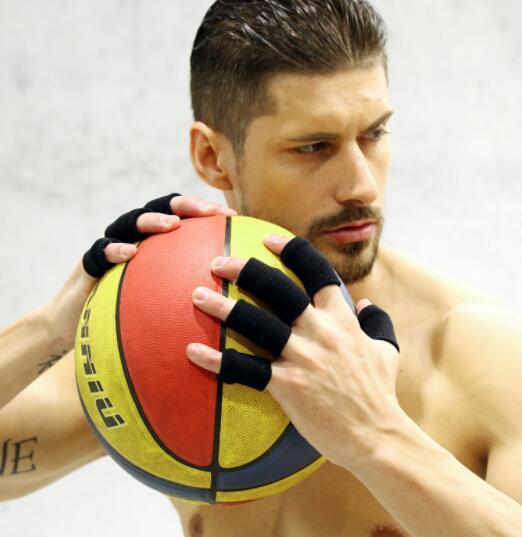 10 spor koruyucuları Spor Güvenlik egzersiz nefes erkeklerin bir dizi fingerguard ucuz 2019 Naylon spor sağlık fingerguard basketbol