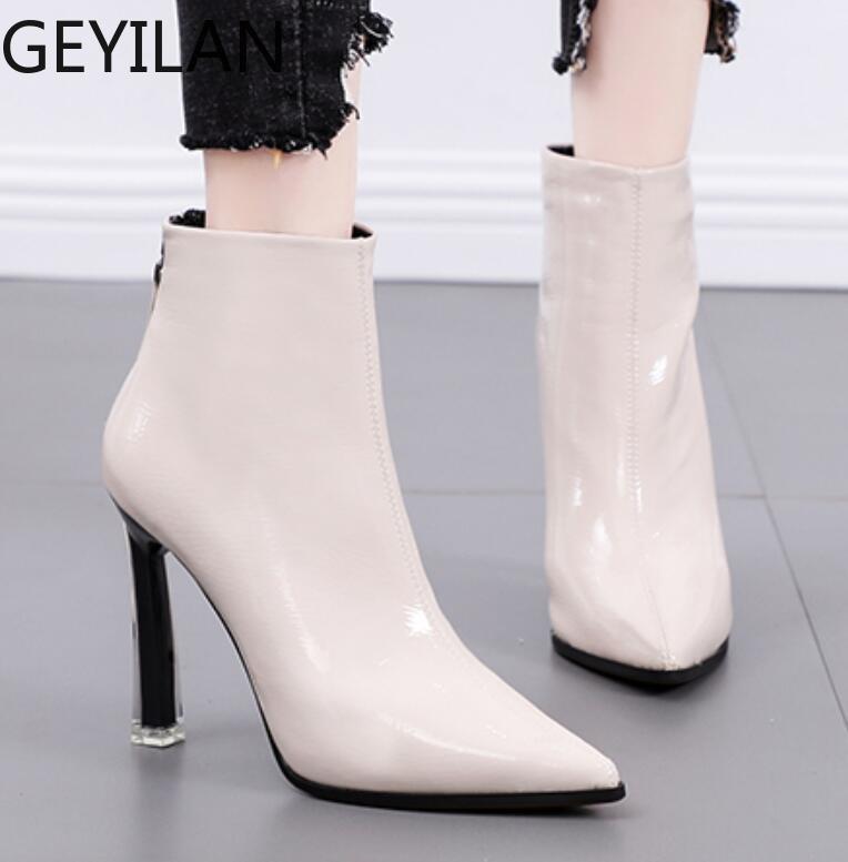 2019 nuevos zapatos de las mujeres en Europa y los Estados Unidos señaló botas de tacón alto de aguja Inglaterra viento mujeres botas salvajes