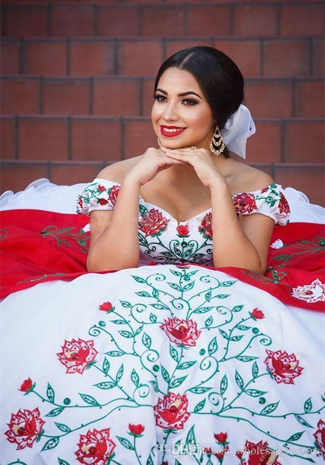 아랍어 어깨 레이스 Quinceanera 드레스 레드 화이트 자 수 페르시 층 러프 공 가운 스윕 열차 댄스 파티 드레스