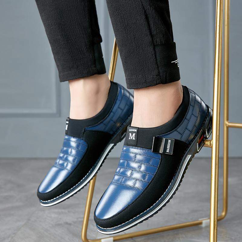 vecchi Nuova Moda Scarpe formali scivolano sulla punta di brevetto della punta scarpe di cuoio Oxford per il vestito Uomini padre Plus Size 38-48 W4