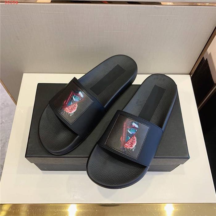 kutu toz torbası ile Erkek sandalet ayakkabı tasarımcısı yılan baskı slayt yaz moda geniş düz sandalet terlik
