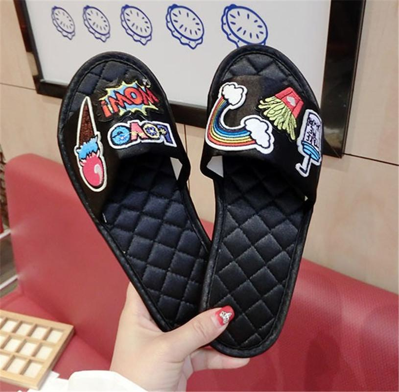 Designer-n Anti Skid et résistant à l'usure Bull Tendon Bas d'intérieur Accueil Drag Usine gratuite Shiping Mode Hot sandals1