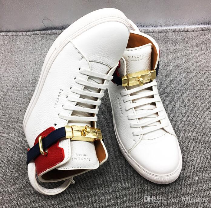 Italie Top Cowhide Busces Blanc / Rouge / Noir Gold Lock Hight Baskets montantes Skate Chaussures Hommes / Femmes Designer Sport Chaussures Casual Hommes Bottes Flats