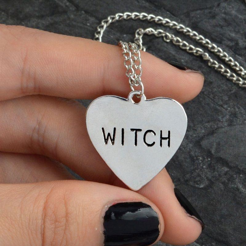 Bruja Corazón Grabado Collar Gótico Brujería Wiccan Halloween Goth Joyería Mujeres Chica Collar Regalos de Moda Para Brujas Al Por Mayor