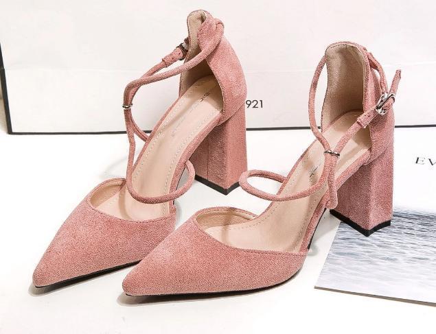 Bombas quentes Sale-Womens As mulheres vestem sapatos de salto alto Micro suded dedos senhoras Apontado robusto sapatos de salto zy905