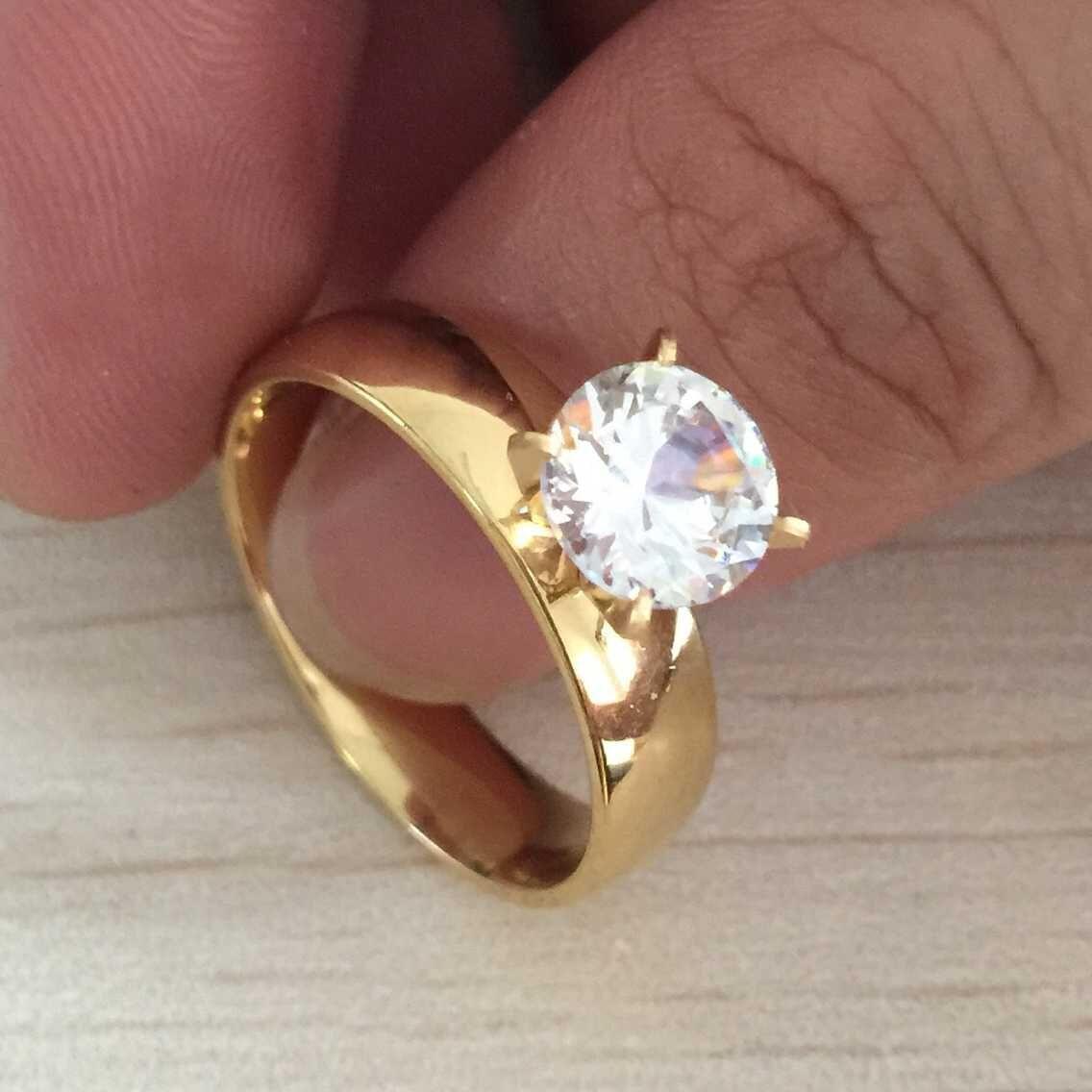 De alta calidad de 8 mm chapado en oro de 18 quilates de diamantes de circón grande CZ anillos de los amantes de acero inoxidable anillo de matrimonio anillo para las mujeres