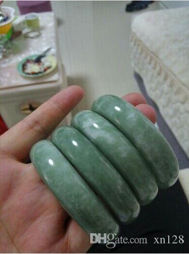 Braccialetti Jadee all'ingrosso Grado A Pure Natural Jadee Bangle Bracciale da donna in pietra naturale Bangles per le donne