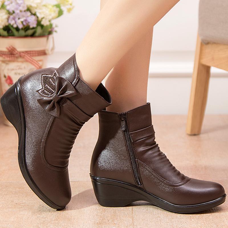 Sapatinho Mulher 2019 novas botas butterfly-nó para botas de inverno mulheres sapatos da moda curto pelúcia zip bota feminina grande tamanho 41 T200106