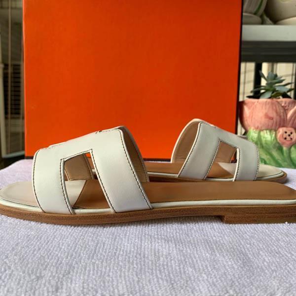 2020 femmes tongs femmes de pantoufles toboggans d'été en cuir véritable abeille en métal Belle Bow Tie plat chaussons avec boîte