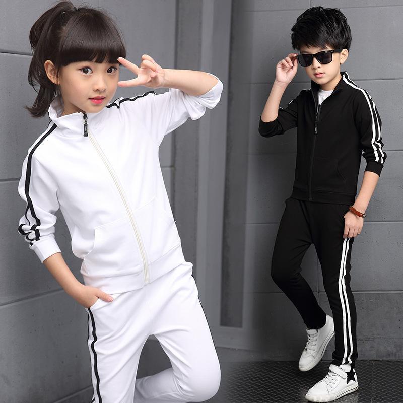 Yeni Geliş Boys Giyim İlkbahar 2018 Yüksek Kaliteli Çocuk Saf Renk Spor Suit Genç Kız Okul Kıyafetleri 6-15Years T200526 ayarlar