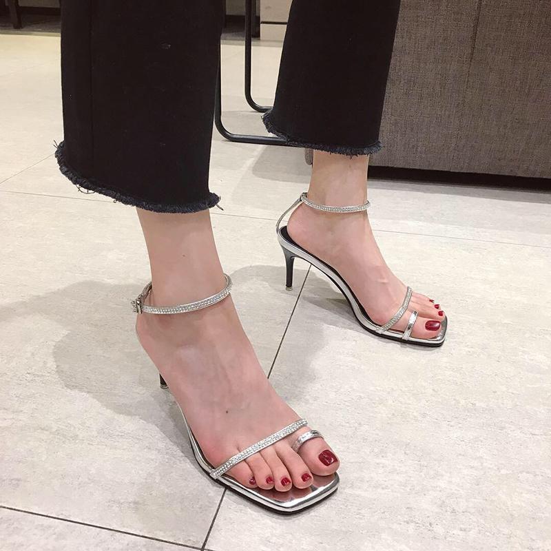 Cristal2019 Em Sandálias De Strass Superar O Fogo Fino Com Uma Palavra Traga Fivela Clipe Sapatos De Salto Alto De Prata Fada Do Verão