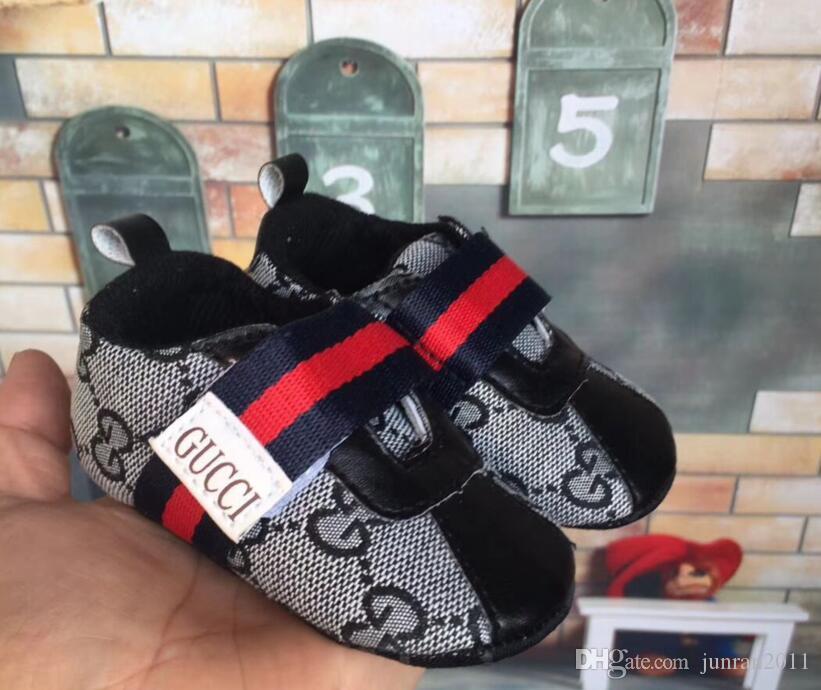 Nueva lona del bebé recién nacido las zapatillas de deporte Deportes muchachas de los bebés primeros caminante Zapatos infantiles del niño suave suela antideslizante zapatos de bebé