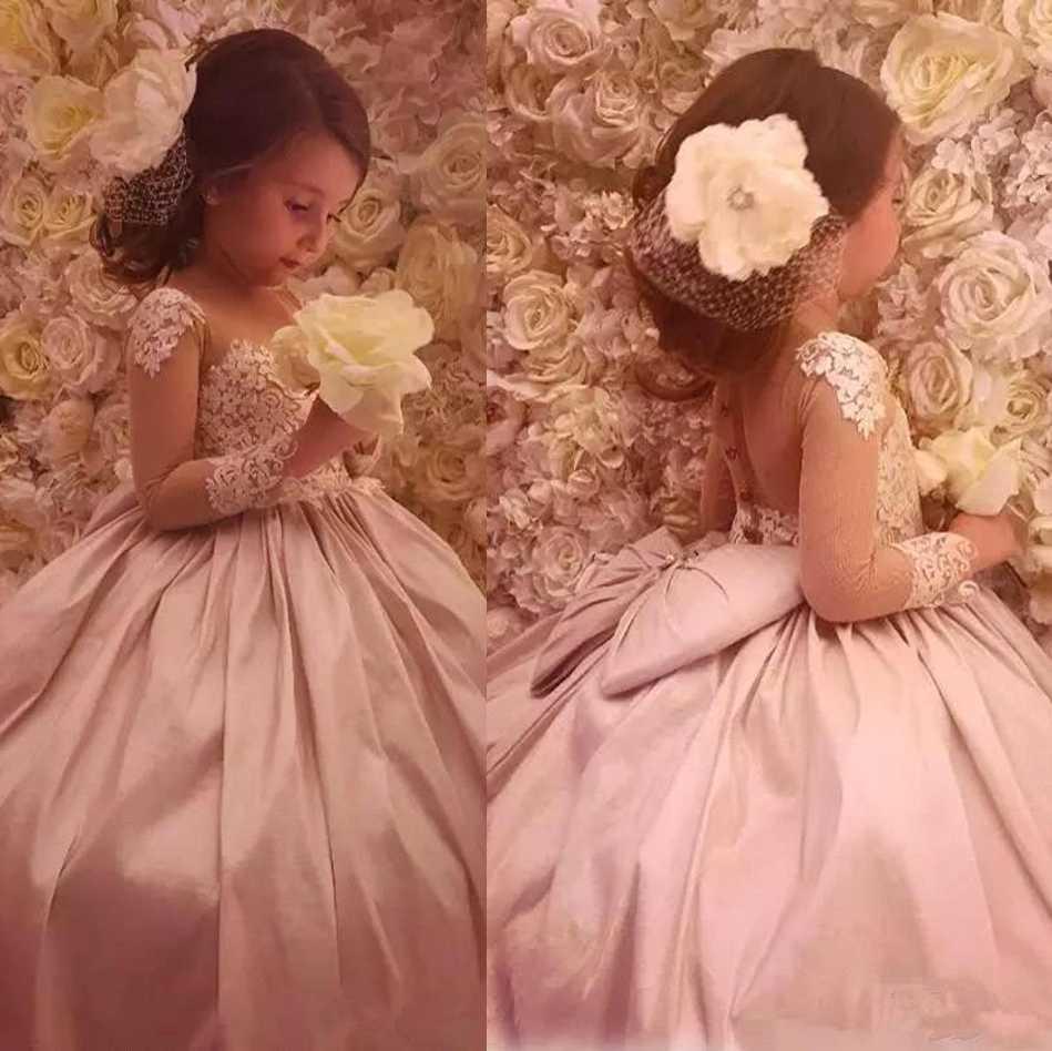 Abiti con bottone coperto grande arco delle ragazze Appliqued merletto lungo Illusion maniche abito di sfera delle ragazze di fiore Abiti formali con sweep treno