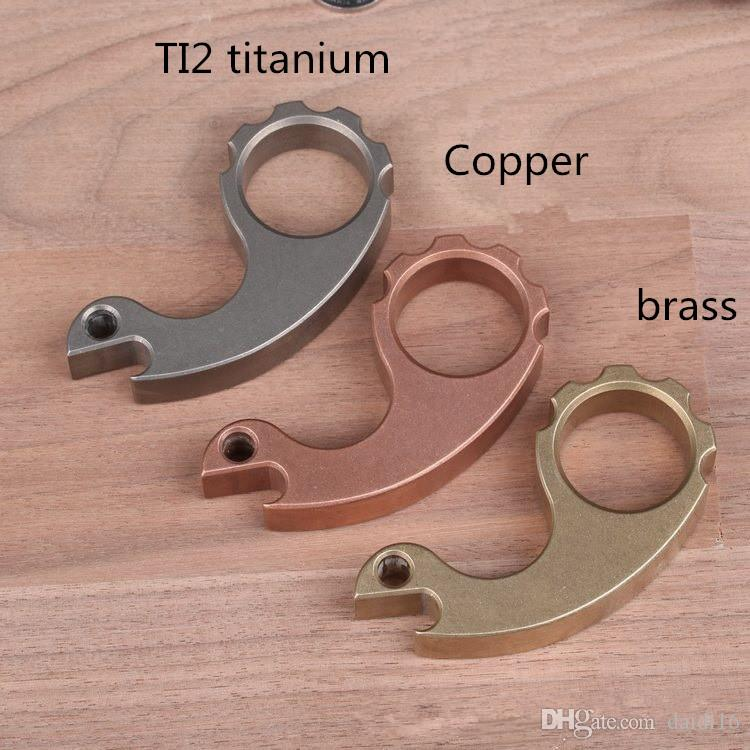 Titanium Alloy Outdoor EDC Tool Brass Knuckles Self-Defense Finger Buckle Multi-Function Broken Window Knuckle Dusters Tool