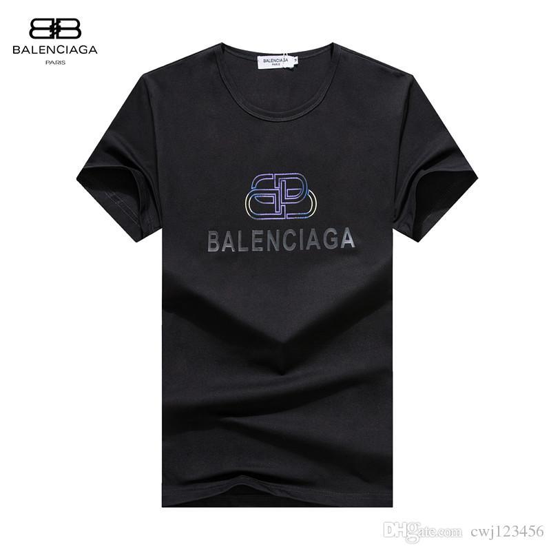 2020 Мужской Дизайн футболка Моды Дизайн Мужская Summer Casual Street Wear Дизайн футболка Заклепка хлопок Смешать шею с коротким рукавом