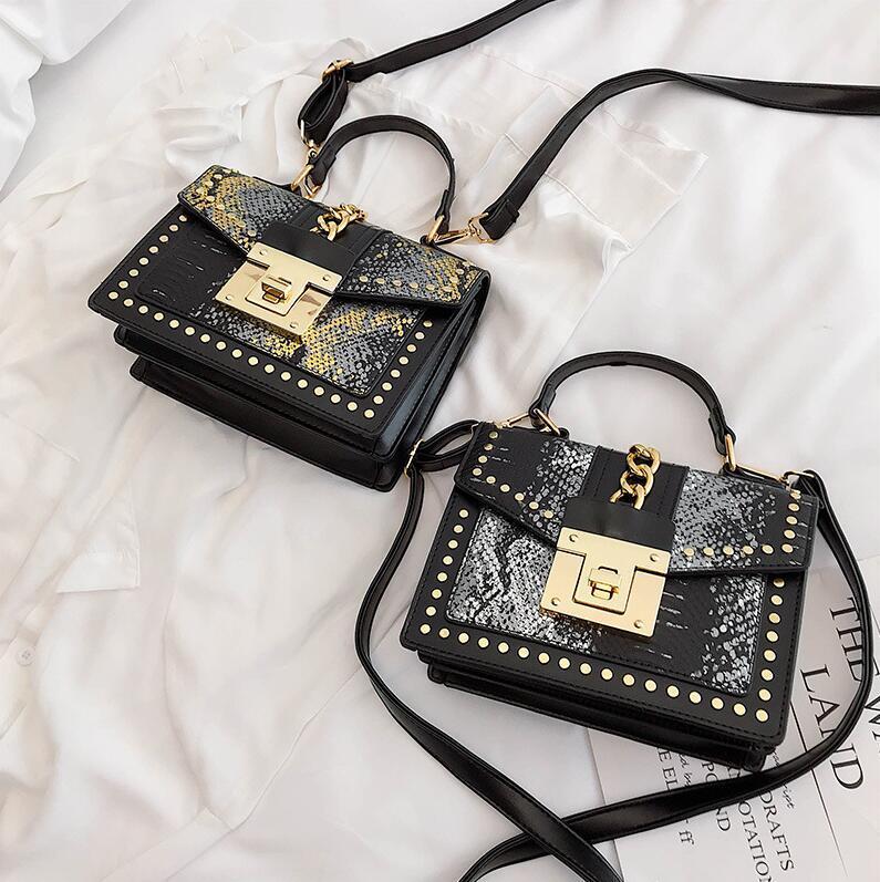 Factory wholesale women handbag street trend snake portable shoulder bag rivet Messenger bag fashion snake leather women bag