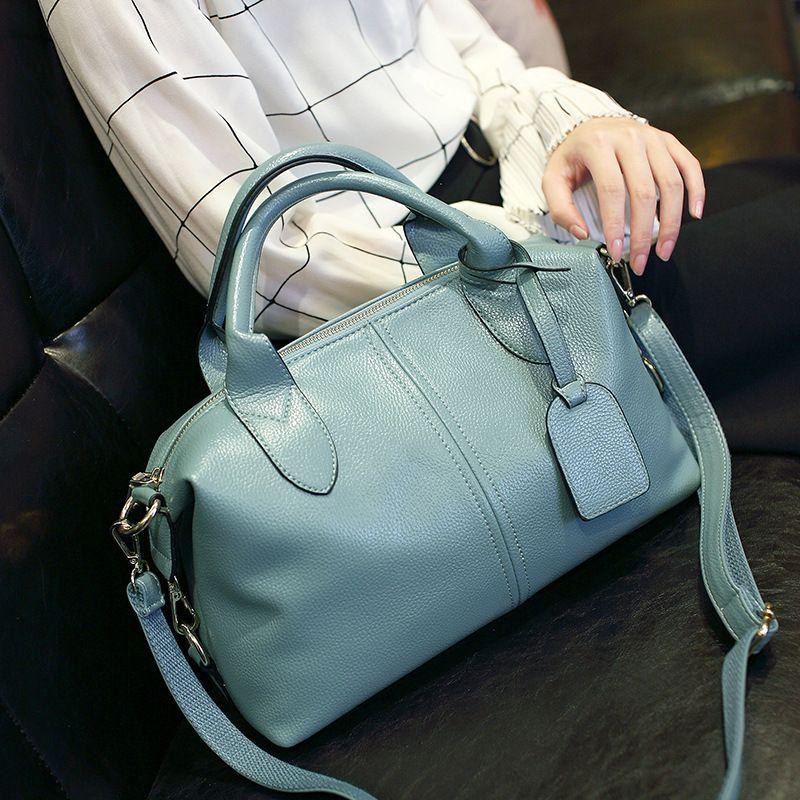 Guangzhou handbags 2019 summer new fashion handbags Miss Han Ban Shoulder Messenger bag pillow bag a generation of fat