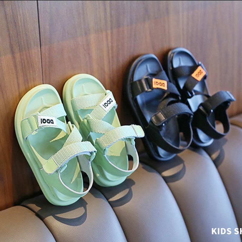 Estate Sport sandali della ragazza antiscivolo resistente all'usura Bambini Scarpe Ragazzo bello del pattino inferiore molle Magic Stick Beach Sandal 1910503322