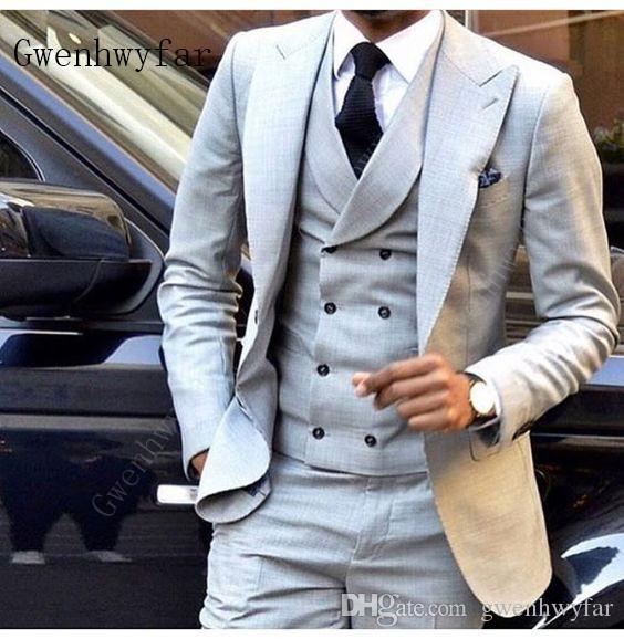 Gwenhwyfar Últimos diseños de pantalón gris claro Traje de los hombres Doble botonadura Slim Fit Flaco 3 piezas Esmoquin Novio Blazer personalizado Terno masculino