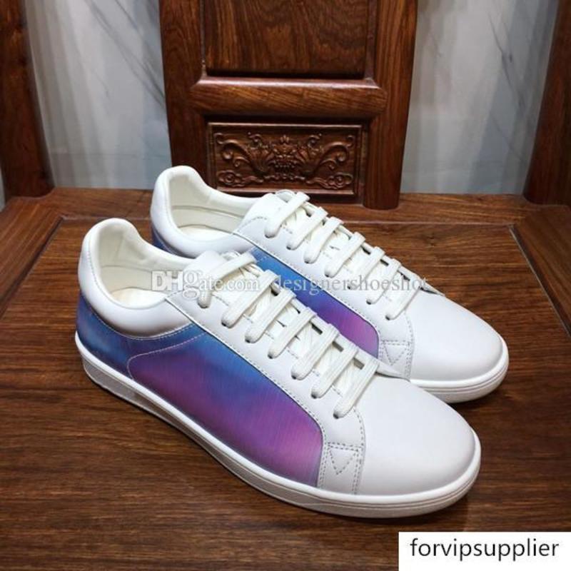 Neue echtes Leder Mens Plattform Luxus Lässige Chamäleon-Designer-Schuhe Drucken Prisma Regenbogen-Low Up Sneakers Top-Qualität RIVOLI Sneaker LL56