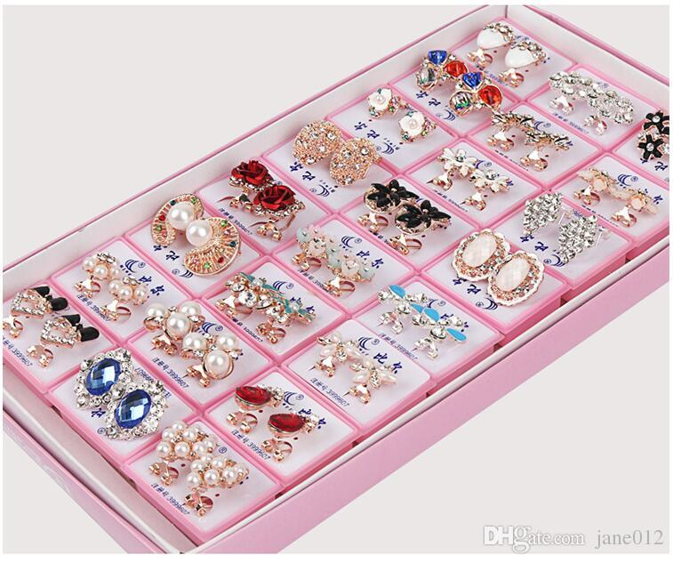 Mix Styles Ohrringe mit Box Anti Allergy Dutzende Muster Piercing Ohrring Ohrhaken Baumel Kronleuchter Mixed Schmuck Verkauf