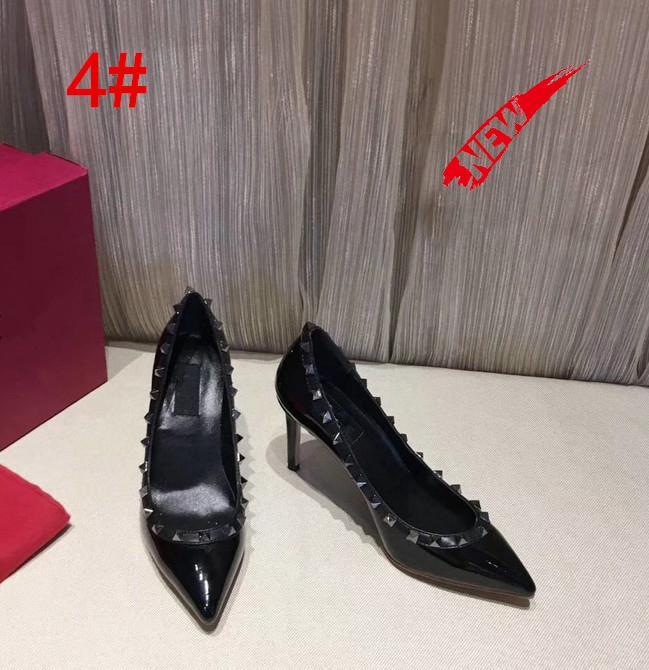 Diseñador punta estrecha 2-Correa con espárragos tacones altos remaches sandalias mujeres zapatos San Valentín zapatos de tacón alto 8,5 cm vender bien