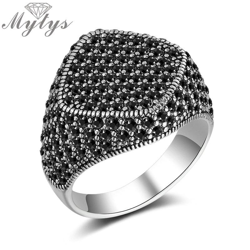 Mytys Schwarz Markasit-Stein-Ring für Frauen Geometrische Pastille Trendy Retro Antik-Design Statement Ring Glitter Schmuck r2123