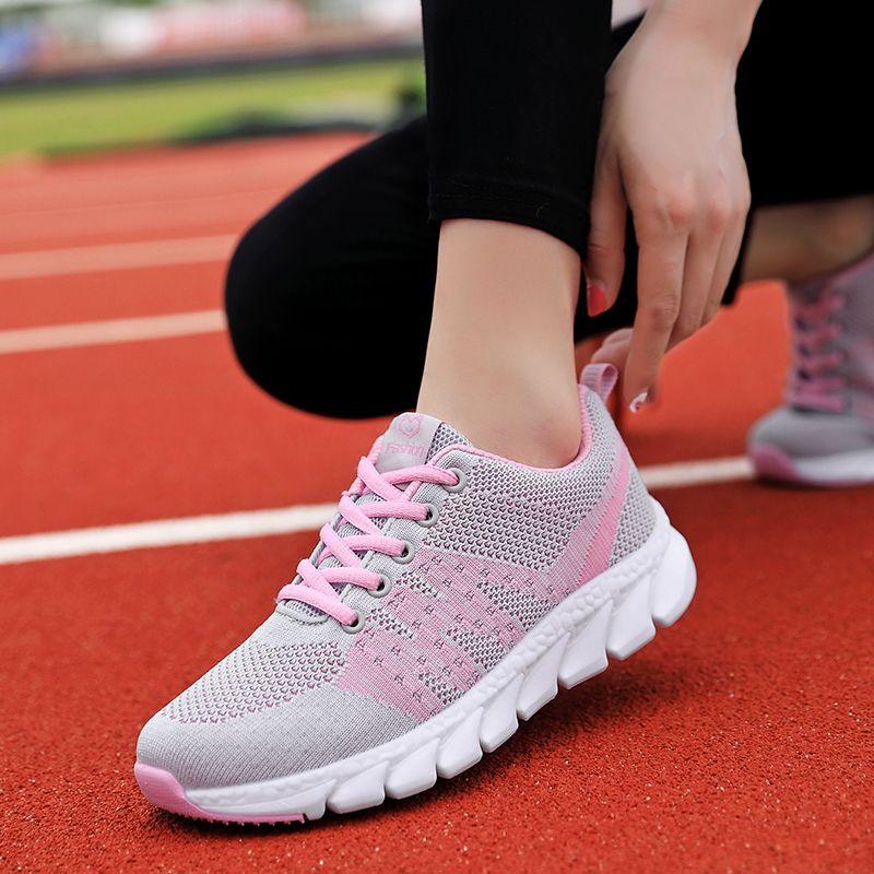 Femmes Chaussures de course légère lacent Chaussures de sport respirant Mesh Antiderapant Sport Chaussures Jogging Athlétisme Noir Chaussures Panier