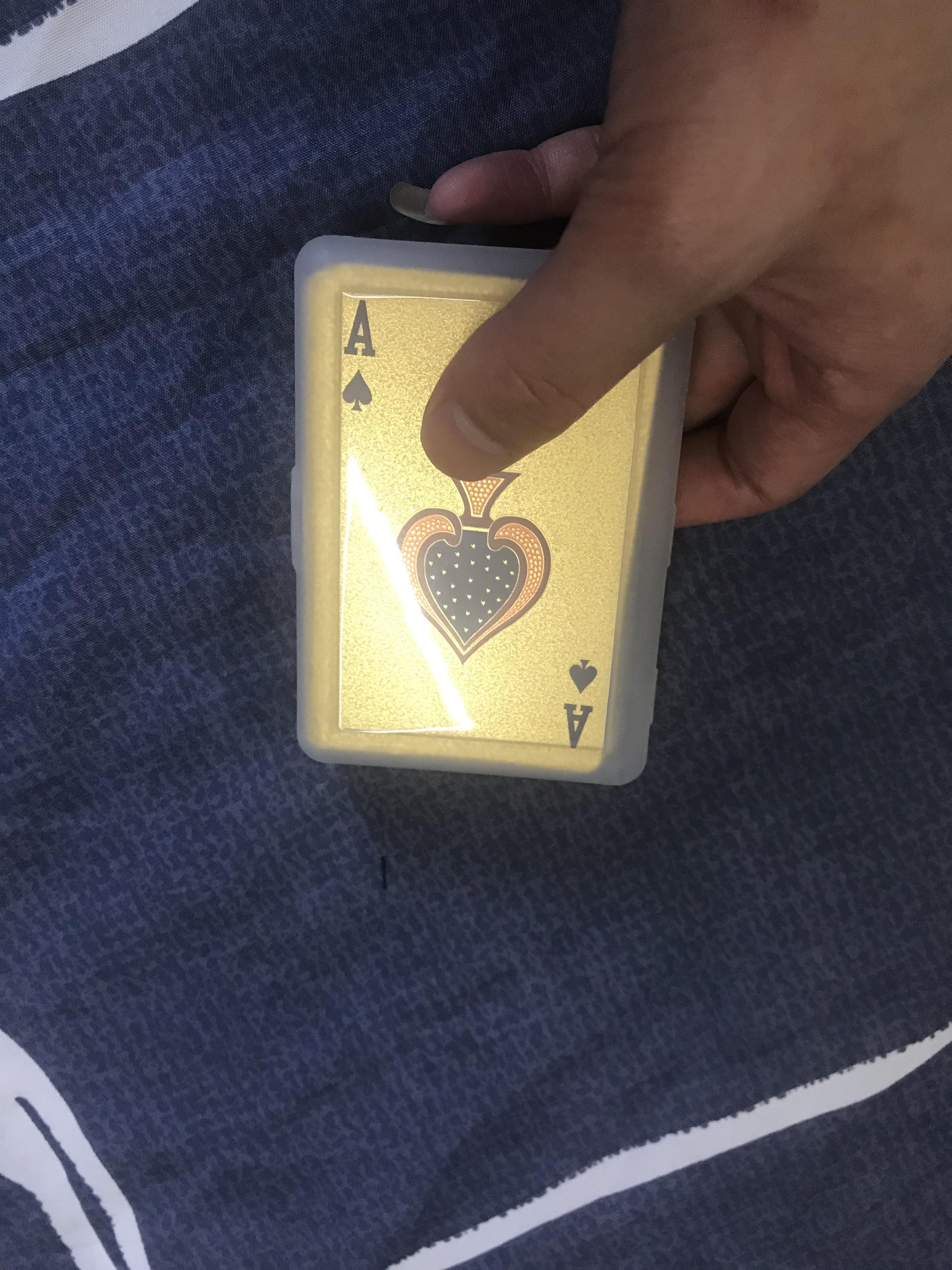 Impermeable colgante llavero Poker personalidad de la manera de jugar al póquer Golden Card esmerilado de alta temperatura láser de grabación en relieve de PET