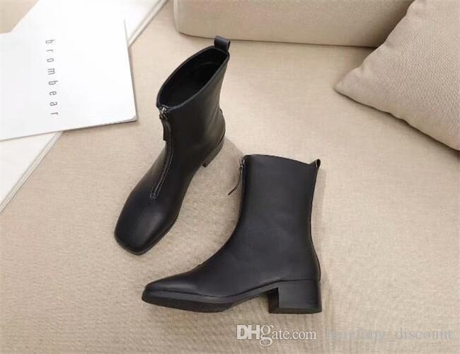 Siyah yeni deri tıknaz topuk çizmeler kadın ön fermuar yuvarlak ayak Martin çizmeler metal toka bayanlar basit kısa çizmeler