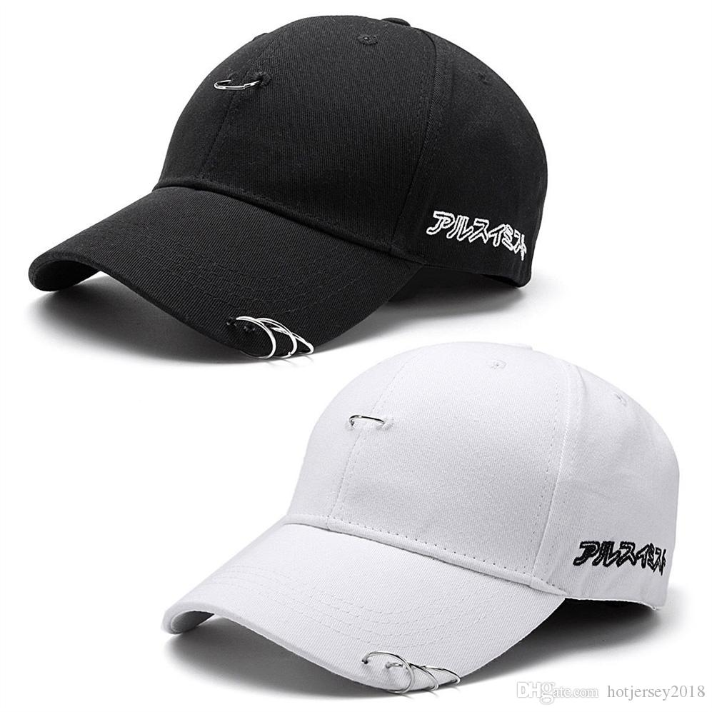 Yaz Sonbahar Beyzbol Şapkası Simge Unisex Katı Halka Emniyet Pimi Kavisli Şapkalar erkek Rahat Snapback Hip Hop Kapaklar Japon Harfler # 319717