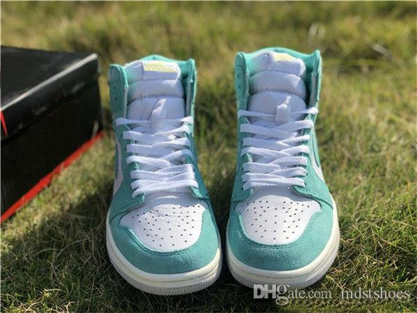 2019 New Turbo Green Basketball Shoes 1 1s Mens Green White Sports Shoes Fashion Outdoor Designer Trainer Sneakers