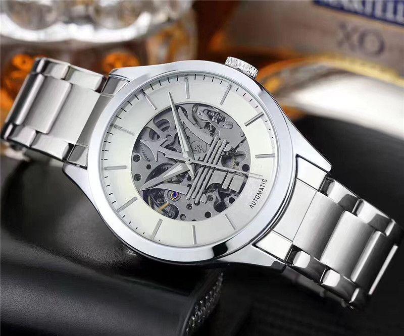 Marca famosa Uomo Automatico Meccanico Watch Montre homme di lusso hombre completa Men Dress Steel Business polso maschio Orologio Reloj