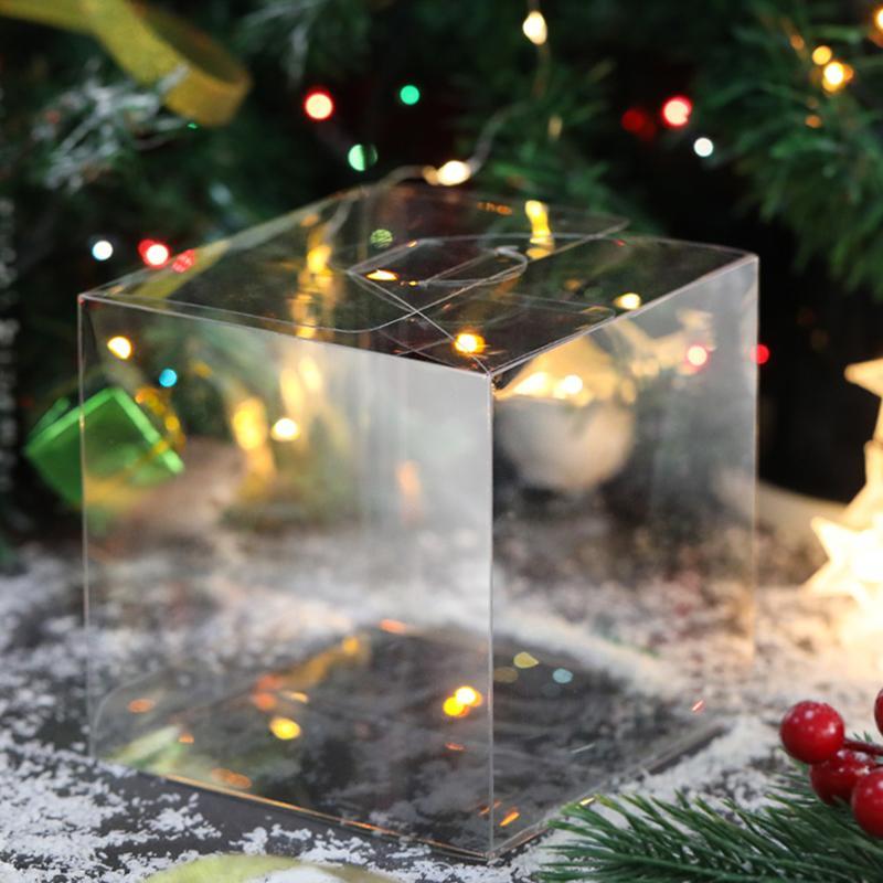 50 Stück Platz PVC Geburtstags-Geschenk-Box Transparent Wedding Favor Halter Praline-Box Ereignis süße Süßigkeit Taschen 5x5x5cm