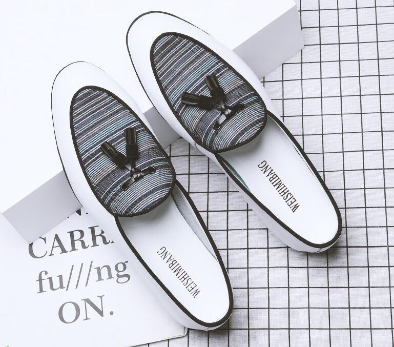 Designer Mann-Sommer-Tassel Loafer Geschäfts-Kleid aus Leder Schuhe Slip-On Kleine Lederschuhe Runde Zehen Breath Wohnungen Partei-Hochzeit Schuhe