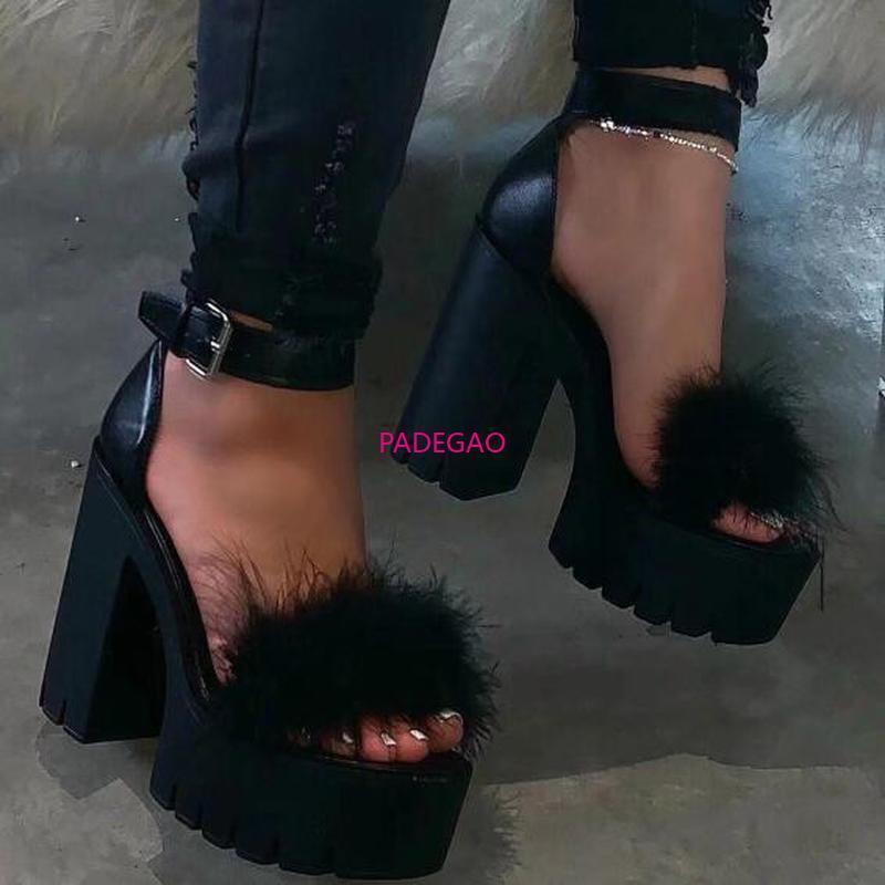 Partido de la moda de verano de mujeres Sandilas cubierta Tacón Zapatos Y200620 2020 Chunky tobillo de las mujeres de la correa del gladiador sandalias de las mujeres