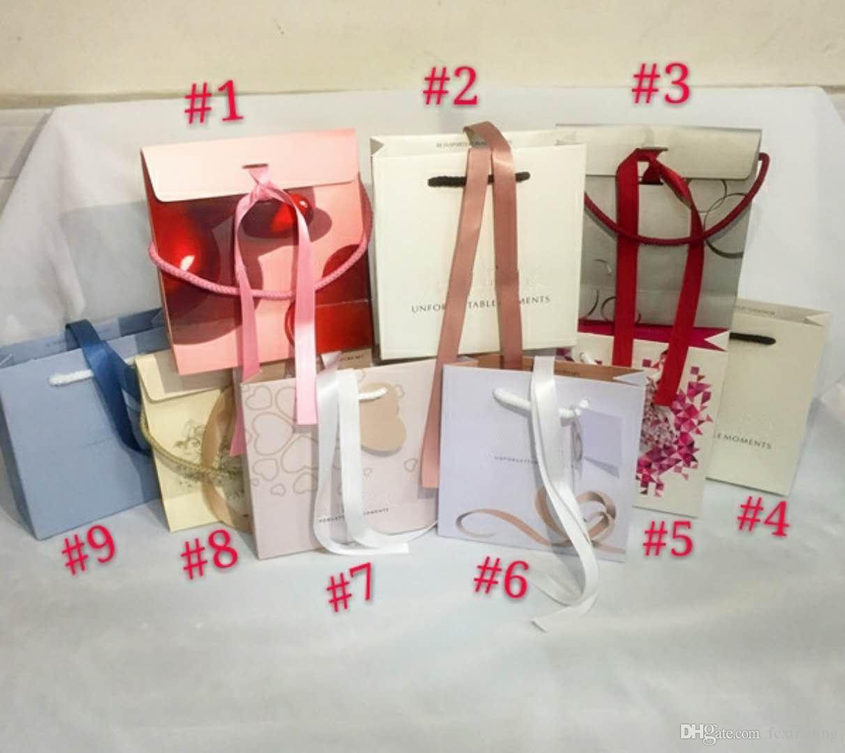 accessoires de luxe pour le sac sacs correspondent cadeaux papier en nylon Fèves boîtes de perles Boucles d'oreilles Bague Bracelet Collier d'affichage Emballage de bijoux