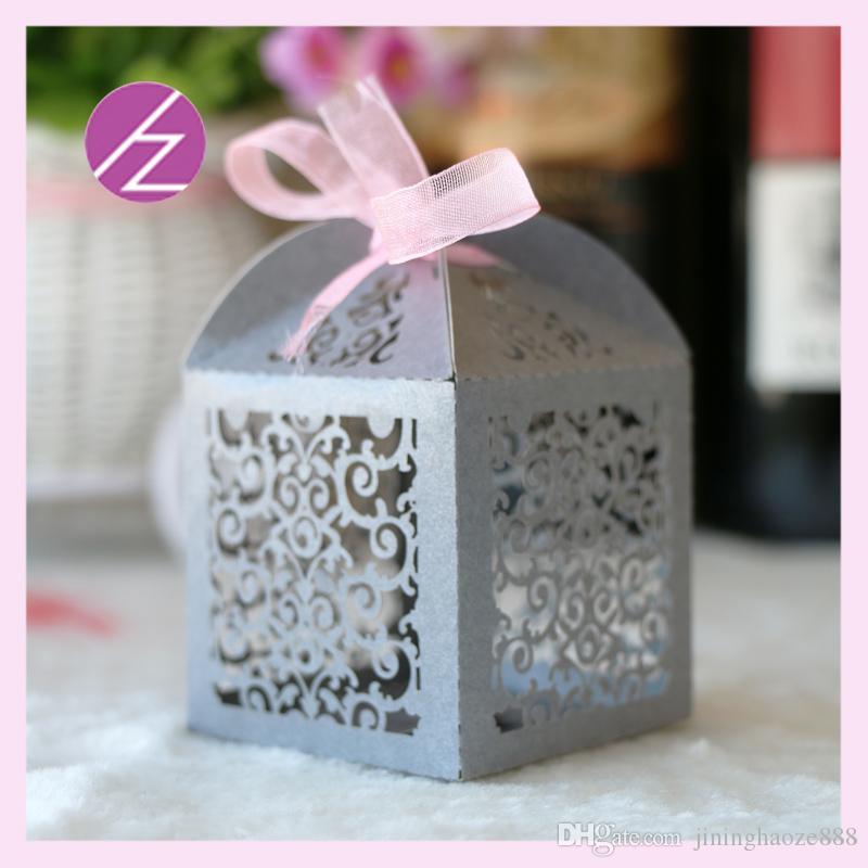 50PCS / Fundas favor lote regalos de boda de la flor exquisita de flores hueco Laser Cut Cajas fiesta de cumpleaños de los compromisos matrimoniales