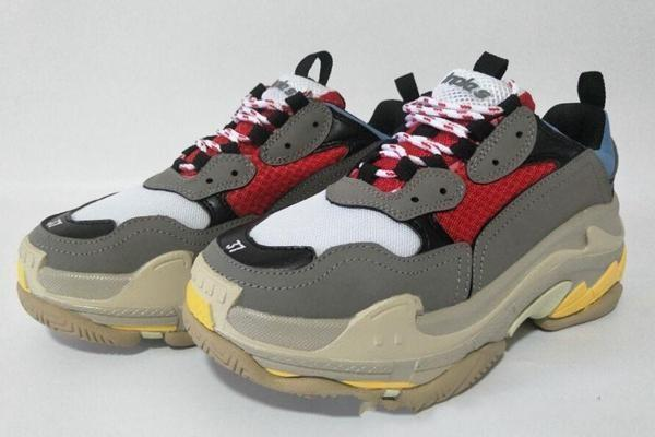 La manera barata París 17FW Triple S zapatillas de Triple-S calzados informales de diseño papá para hombre para las mujeres Beige Negro barato Deportes ChaussuresL13