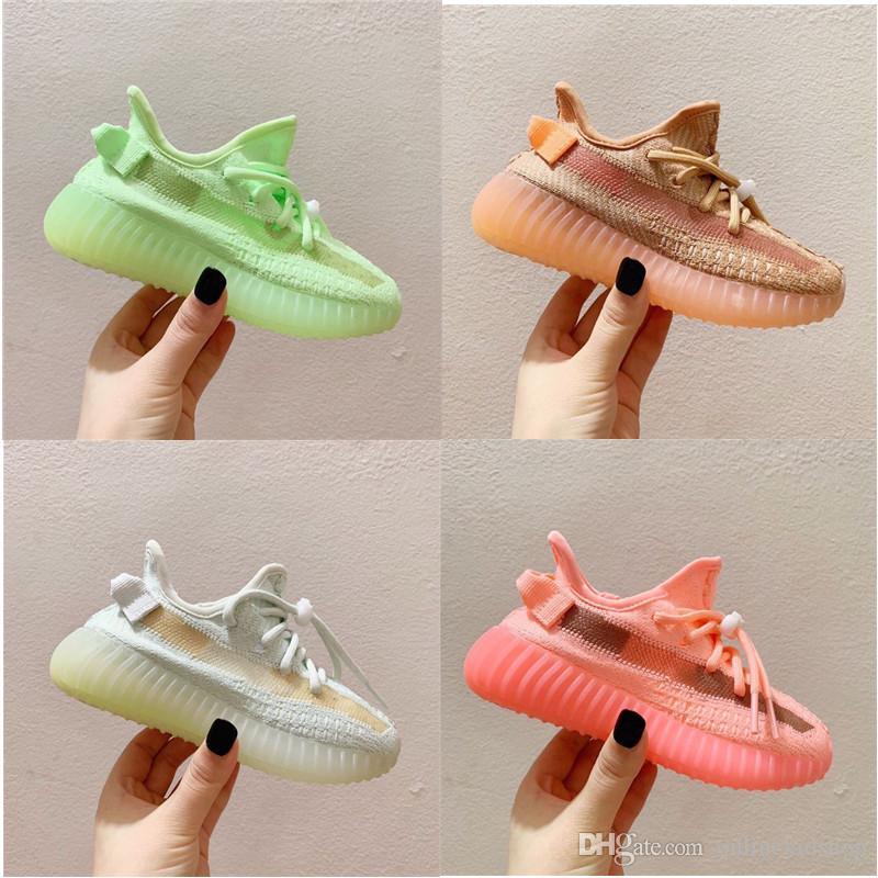 Bebé Kanye 3M blanco reflectante de los niños de los zapatos corrientes de la banda GID Resplandor Verde Pequeño elástico amarillo claro muchachas de los niños pequeños sneakes